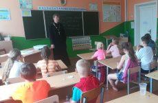 Священник провел духовную беседу со школьниками в Любоничах