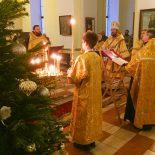Воскресным вечером в Никольском кафедральном соборе совершено акафистное пение Пресвятой Богородице