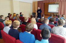 Иерей Алексий Замбрижицкий провел беседу с молодежью на тему «О духовных и нравственных ценностях»