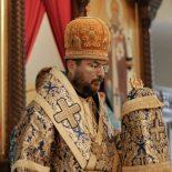В праздник Успения Пресвятой Богородицы епископ Серафим совершил Божественную литургию в Никольском кафедральном соборе
