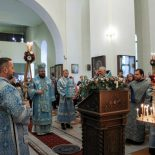 Торжественное богослужение состоялось в Никольском кафедральном соборе в праздник Рождества Пресвятой Богородицы